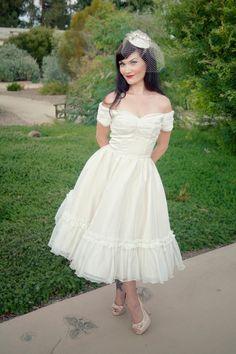 Le glamour des années 50 revient pour votre robe de mariée ...