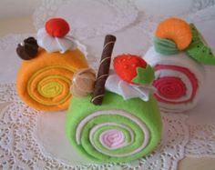 Felt food pattern-Most easy,Roll cake--PDF Pattern via Felt Crafts Diy, Food Crafts, Felt Diy, Arts And Crafts, Felt Food Patterns, Felt Cake, Felt Play Food, Felting Tutorials, Felt Decorations