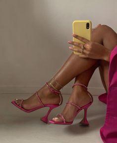Fancy Shoes, Pretty Shoes, Cute Shoes, Me Too Shoes, Roupas Brandy Melville, Shoes Sneakers, Shoes Heels, Pumps, Manolo Blahnik