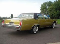 1977 Cadillac Sedan deVille in Sovereign Gold Metallic