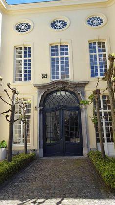 https://michielvanbruwaene.wordpress.com/2016/05/09/uitstap-design-museum-gent-3/ #visitgent gent ghent belgium europe museum musea designmuseum visit travel what to do must do