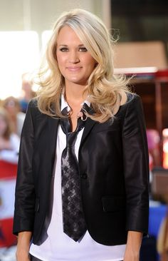 Carrie Underwood Medium Curls