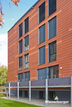 Redevelopment of halls of residence in Minden, Germany, using Argeton façade tiles.  Photographer: Wienerberger GmbH / JensKrügerWerbefotografie/DTP