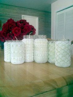 crochet covered candle jars Mason Jar Projects, Mason Jar Crafts, Crochet Jar Covers, Doily Art, Crotchet Patterns, Christmas Mason Jars, Crochet Home Decor, Crochet Winter, Handmade Home