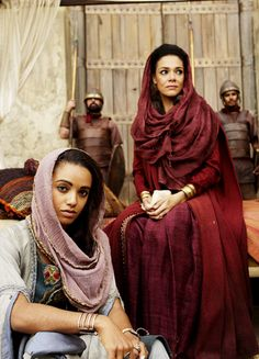 Maisie Richardson-Sellers & Simone Kessell in 'Of Kings and Prophets' (2016). x