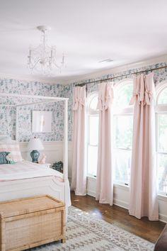 Home Bedroom, Girls Bedroom, Bedroom Decor, Bedroom Retreat, Girl Nursery, 1800s Home, Up House, Little Girl Rooms, Bed Furniture
