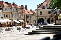 Sandomierz The Beautiful Country, Old Buildings, Poland, Cool Photos, Explore, Mansions, House Styles, Places, Travel