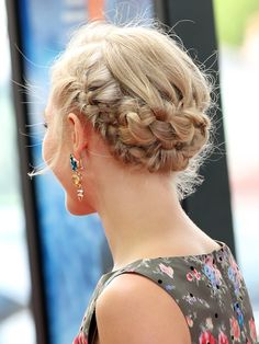 AnnaSophia Robb's braided updo http://beautyeditor.ca/2013/07/11/how-to-do-annasophia-robbs-braided-updo-from-the-la-premiere-of-the-way-way-back/
