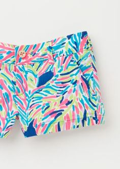 """Summer is better when your shorts are printed. Lilly Pulitzer 3"""" Walsh Shorts in Palm Reader"""