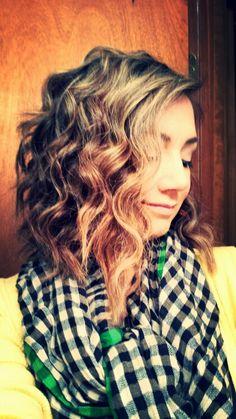 Medium curled hair
