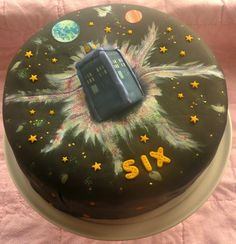 A twist on the normal blue Dr Who cake