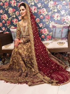 Tips For Planning The Perfect Wedding Day – Cool Bride Dress Asian Wedding Dress Pakistani, Asian Bridal Dresses, Bridal Mehndi Dresses, Indian Bridal Outfits, Bridal Dress Design, Wedding Dresses For Girls, Pakistani Bridal Hairstyles, Pakistani Mehndi Dress, Glam Look