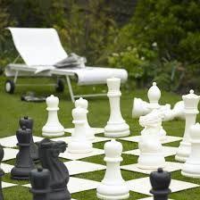 Giant chess for a summer garden party theme Diy Garden, Garden Toys, Summer Garden, Summer Fun, Garden Ideas, Garden Games, Patio Ideas, Landscaping Ideas, Rock Garden Design