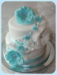 Fantasy flower cake purple instead of