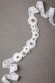 Shasta Daisy Sash from BHLDN - I had no idea I likes sashs until now Wedding Coursage, Bridal Accessories, Bridal Jewelry, Daisy Wedding, Summer Wedding, Crochet Daisy, Fairytale Fashion, Wedding Belts, Vintage Hippie