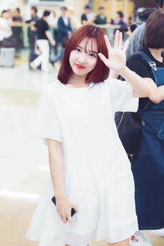 Why so pretty unnie? You look 10 times younger than your age Kpop Girl Groups, Korean Girl Groups, Kpop Girls, Twice Jyp, Twice Once, K Pop Idol, Warner Music, Nayeon Twice, Im Nayeon