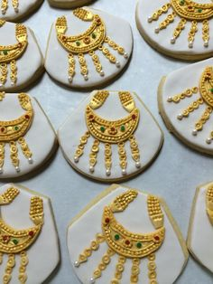 Traditional gold necklace cookies