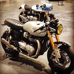 amazing custom version of the new Triumph Thruxton R