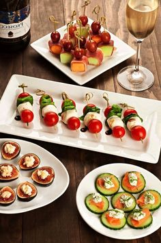 1001 ideas for an easy aperitif dinner recipe without cooking Superfood, Tapas, Mini Burgers, Eat Smart, Party Snacks, Fresh Vegetables, Caprese Salad, Cooking Time, Finger Foods