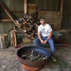 18 Times Chase Rice Made The Ladies Heart Drop Source by Chase Rice, Country Singers, Country Music, Reds Bbq, Marinate Meat, Smoking Bowls, The Good German, Bbq Apron, Grilling Gifts