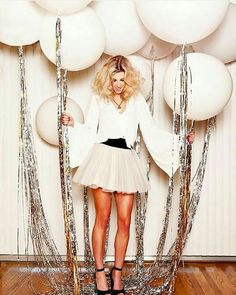 Glam up your New Year's Eve party balloons with some silver tassels. – Brit Morin Glam up your New Year's Eve party balloons with some silver tassels. Glam up your New Year's Eve party balloons with some silver tassels. Nye Party, Festa Party, Party Fun, 30th Party, Casino Party, Party Time, Disco Birthday Party, 30th Birthday Parties, Casino Night