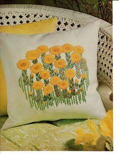 1973 Daisy Flowers Pillow Vintage Crewel by sweetpeastreatshop. $2.00, via Etsy.