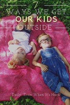 The CDC and American Academy of Pediatrics recommend one hour of outside time per day for children. One hour?! The health benefits of playing outside range from improving balance, motor skills and Vitamin D intake to strengthening bones and immune systems which is kind of a big deal. #parents #kids #outside #familytime #children #momlife #fashionkids #outdoors #toddleractivities #playtime #preschool #funideas #momhacks #playmatters Parenting Advice, Kids And Parenting, Natural Parenting, Mom Advice, Healthy Habits For Kids, Healthy Living, American Academy Of Pediatrics, Social Media Services, Raising Boys