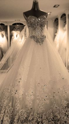 beach wedding, beautiful, bridal gowns, elegant, fashion, gorgeous, lace, marriage, photography, princess, vestido de novia, vintage, wedding dress