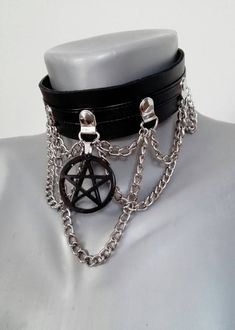 Gothic leather choker with handmade pentagram charm Cute Emo Outfits, Edgy Outfits, Mode Outfits, Grunge Outfits, Egirl Fashion, Gothic Fashion, Goth Accessories, Mode Costume, Aesthetic Grunge Outfit