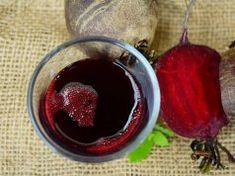 Beetroot Juice You Should Drink it Every Day ♥ Manages your blood pressure . Beetroot Juice You Sh Salud Natural, Natural Detox, Red Juice Recipe, Homemade Syrup, Juicing Benefits, Health Benefits, Liver Cleanse, Juice Cleanse, Recipes