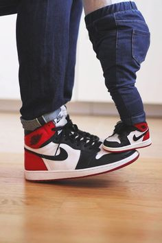 f8c47f2b5d69ab NIKE Women s Shoes - Nike Air Jordan 1 Retro High OG Black Toe - 2016 2006  (by montyleonjeff) - Find deals and best selling products for Nike Shoes  for ...