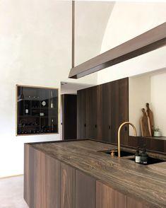 Interior Design Kitchen, Interior And Exterior, Interior Decorating, Kitchen Wet Bar, Minimal Kitchen, Kitchen Images, Home Trends, Kitchen Cabinetry, Simple House