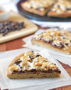 Peanut Butter S'mores Pizza - The Law Student's Wife |