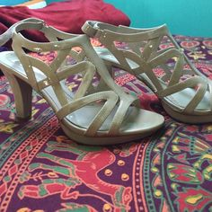 Naturalizer N5 Comfort Heels worn once, great condition. Small scuff (picture shows) VERY COMFORTABLE Naturalizer Shoes Heels