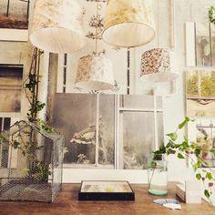 JARDIN D'HIVER --- OGGI SIAMO APERTI --- foto di Sofia Meda #enricastabile #marionobile #elenacampa #sofiameda #enricastabile #green #world #magic #wonder #wow #home #decor #interior #design #inauguration #winter #garden #preview #autumn #brown #leaf #leaves #secret #place #plants #lamp #vintage #fabric #flower