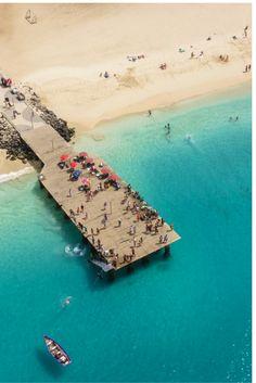 Naar het tropische paradijs Kaapverdië..   Kaapverdië is een groep tropische- en vulkanische eilanden waar het hele jaar vrolijk de zon schijnt! Dus ben je toe aan een vakantie vol met zon, dan is dit zeker een top bestemming.. https://ticketspy.nl/deals/het-tropische-paradijs-kaapverdie-8-dagen-va-e447/