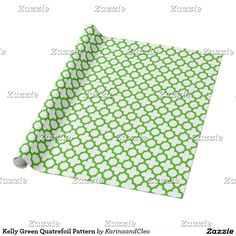 Kelly Green Quatrefoil Pattern Wrapping Paper