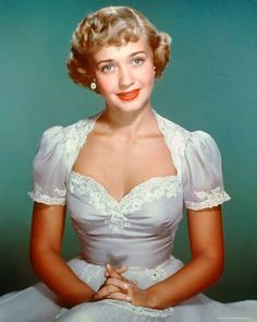 Living Stars of Hollywood's Golden Era Hollywood Walk Of Fame, Golden Age Of Hollywood, Hollywood Glamour, Hollywood Actresses, Classic Hollywood, Old Hollywood, Jane Powell, Caribbean Queen, Shirley Jones