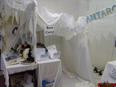 A super Antarctica classroom role-play area photo contribution. Great ideas for your classroom! Eyfs Classroom, Classroom Displays, Classroom Ideas, Classroom Design, Artic Animals, Wild Animals, Play Corner, Role Play Areas, Polo Norte