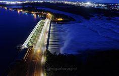 Otro ángulo de la toma nocturna del Complejo Hidroeléctrico Antonio José de Sucre #macagua en plena descarga #venezuela #drone #aereo #inspire #MIVENEZUELA #ig_bolivar #igersbolivar #igersvenezuela #igersguayana #igersvenezuela #ig_venezuelan_pro #djiglobal