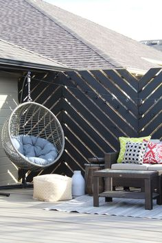 Floating Deck: Final Reveal DIY Floating Featuring chevron privacy wall coated in Behr waterproofing Decor, Outdoor Decor, Home Decor Inspiration, Privacy Walls, Backyard Design, Backyard Decor, Home Decor, Patio Wall, Floating Deck