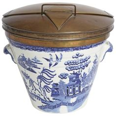 For Sale on - Extraordinary traditional milk pail with the classic Blue Willow motif. Designed circa by Thomas Minton. The Blue Willow pattern has been a staple Blue Willow China, Blue And White China, Milk Pail, Willow Pattern, Modern Ceramics, Vintage China, White Porcelain, Pure Products, Antiques