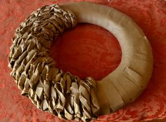 Paper Bag Wreath Paper Bag Wreath Dots & Dust inch foam round -Ruler -Scissors -about 6 to 8 paper bags -Hot glue gun and glue sticks -decorations (flowers pine cones wooden letters etc.) More The post Paper Bag Wreath appeared first on Paper Diy. Paper Bag Crafts, Diy Paper, Paper Bags, Christmas Bags, Christmas Wreaths, Christmas Crafts, Spring Wreaths, Wreath Crafts, Diy Wreath
