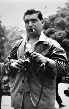 A portrait of Robert Capa taken by Yuji Okumura on May 1, 1954, at Meiji Jingu Gaien park in Tokyo (Provided by Mieko Okumura)