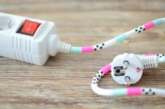 Washi tape wrapped around a cable! Masking Tape, Washi Tape Diy, Diy Décoration, Dyi, Decoracion Low Cost, Ideas 2017, Fabric Tape, Idee Diy, Blog Deco