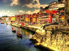 Porta, Portugal  Dorado sobre el río by anitinmaria, via Flickr