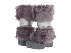 Sew fake fur girdle for rainboots