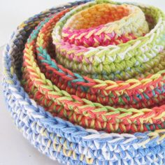 http://www.etsy.com/es/listing/73950368/nested-cotton-gypsy-bowls-set-of-5?