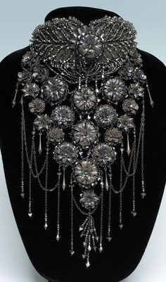 Bead Dreams 2012 Crystal Jewelry 2nd Place – Dark Garden by Diane Hyde, WI