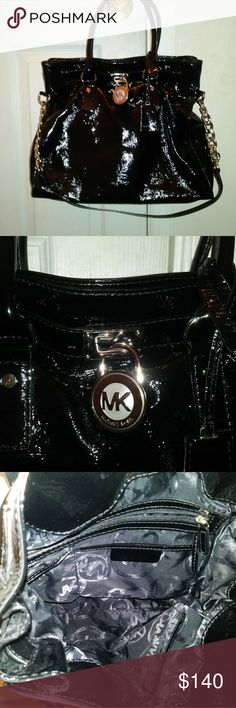 Michael Kors Hamilton Bag Michael Kors Hamilton bag in excellent condition. Michael Kors Bags Totes